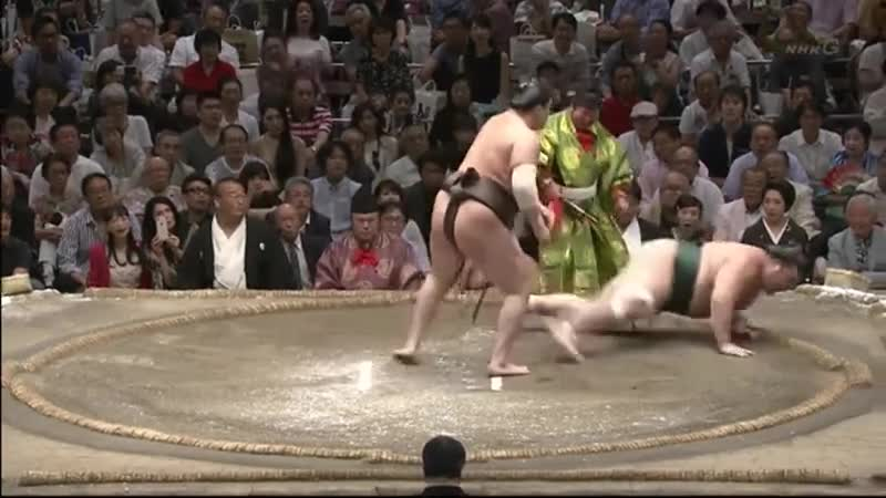 Lightning fast sumo. join list: SumoSlammers (248 subs)Mention History Yutakayamauho, Aki Basho 2018 Day 8 When you got sumo at 5 PM and dinner at 5:01.. I love this content and list. Didn't have any idea I'd enjoy sumo but here we are. Thanks for great content and I hope your day is awesome.